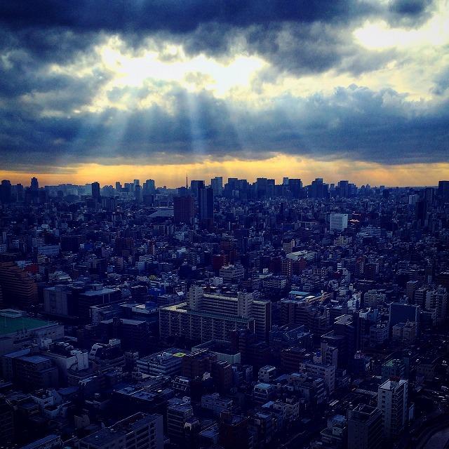 神々しい街